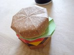 Hamburguesas y papel (foto de marc0047 en flickr)